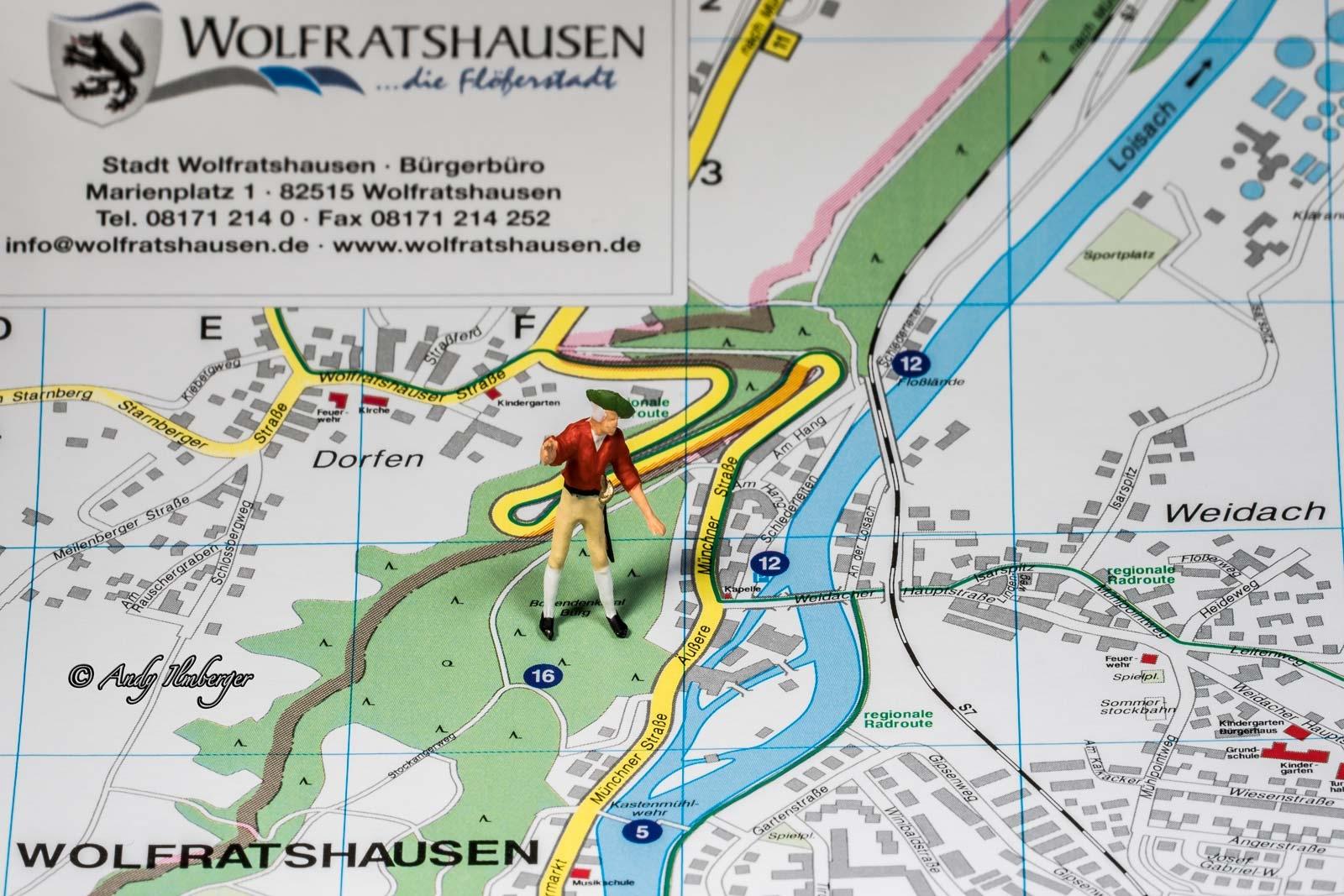 Wolfratshausen Burgdenkmal im Bergwald