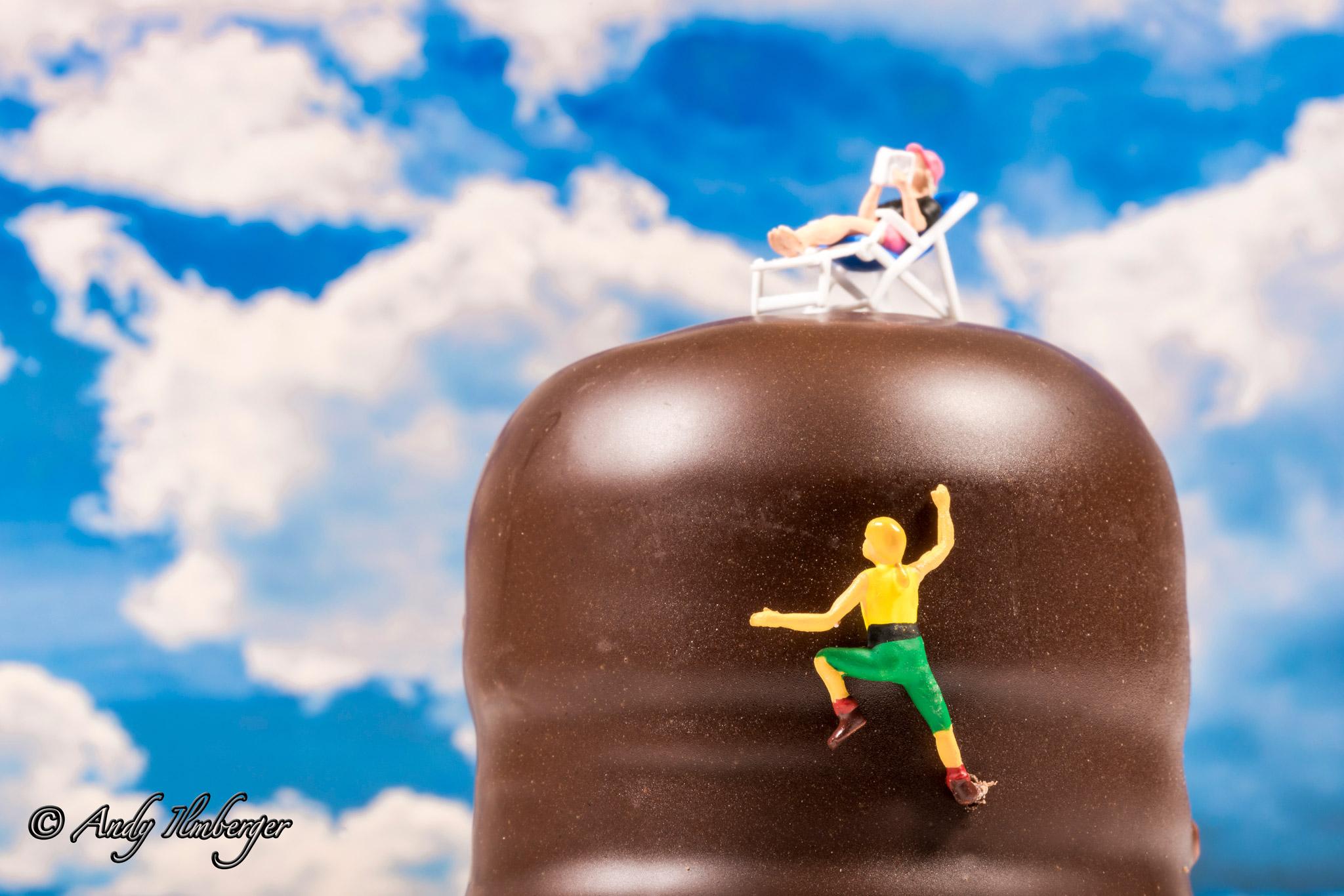 Mohrenkopfklettern - H0-Figuren in Szene gesetzt von © Andy Ilmberger im Kleine-Helden.Club
