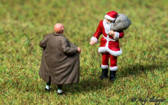Exhibitionist versus Weihnachtsmann