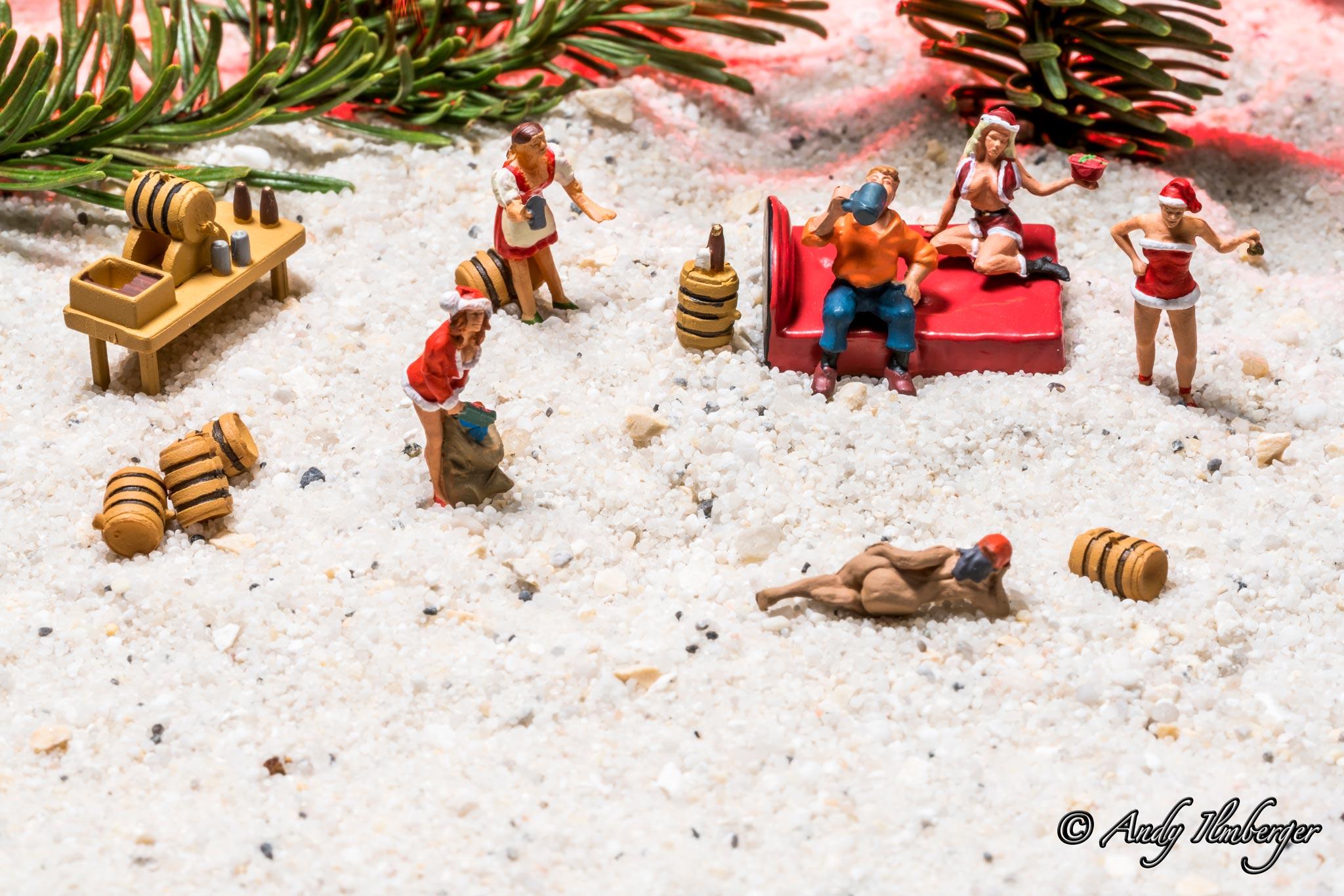 Mann träumt von Weihnachten - H0-Figuren in Szene gesetzt von © Andy Ilmberger im Kleine-Helden.Club