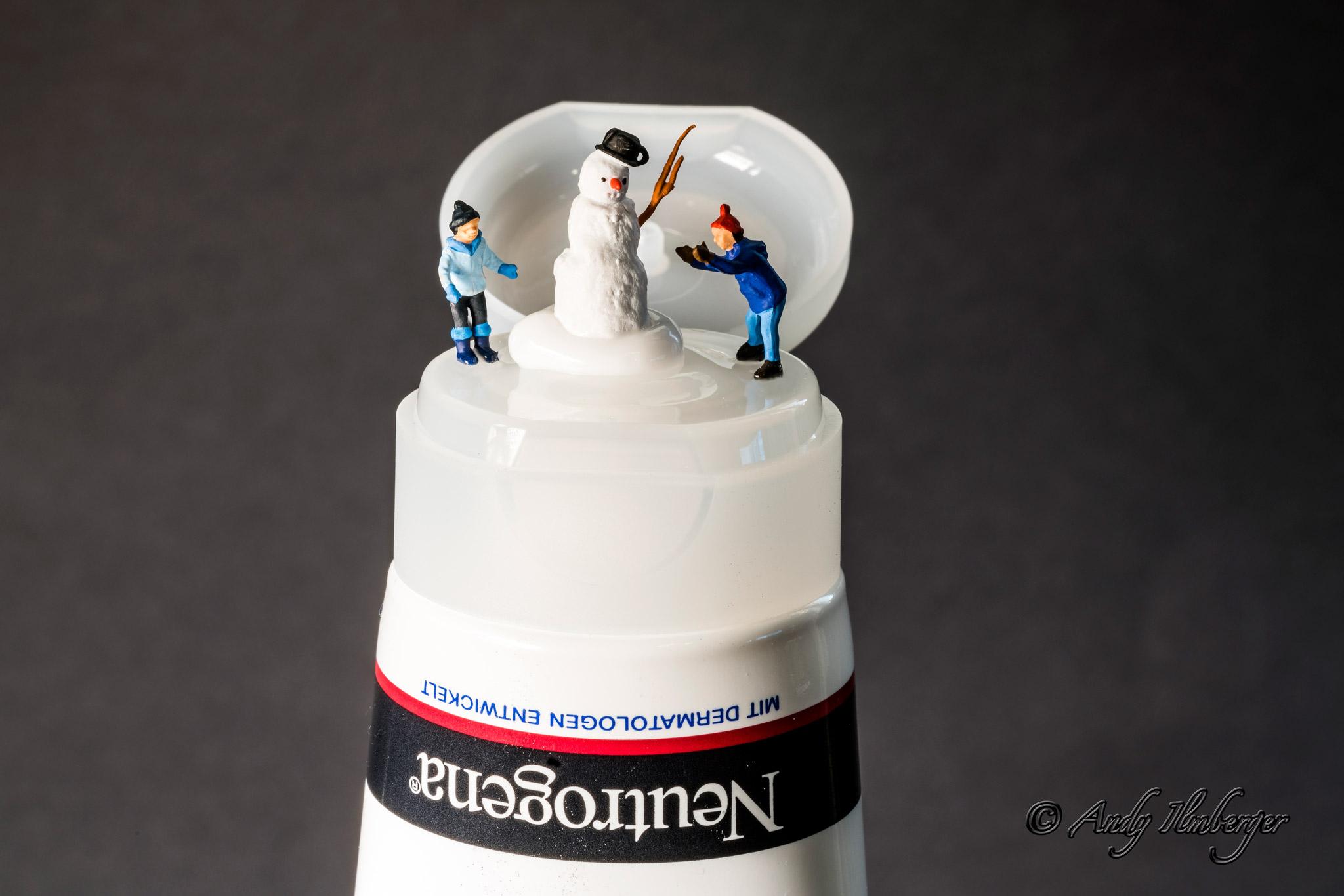 Schneemann bauen - H0-Figuren in Szene gesetzt von © Andy Ilmberger im Kleine-Helden.Club