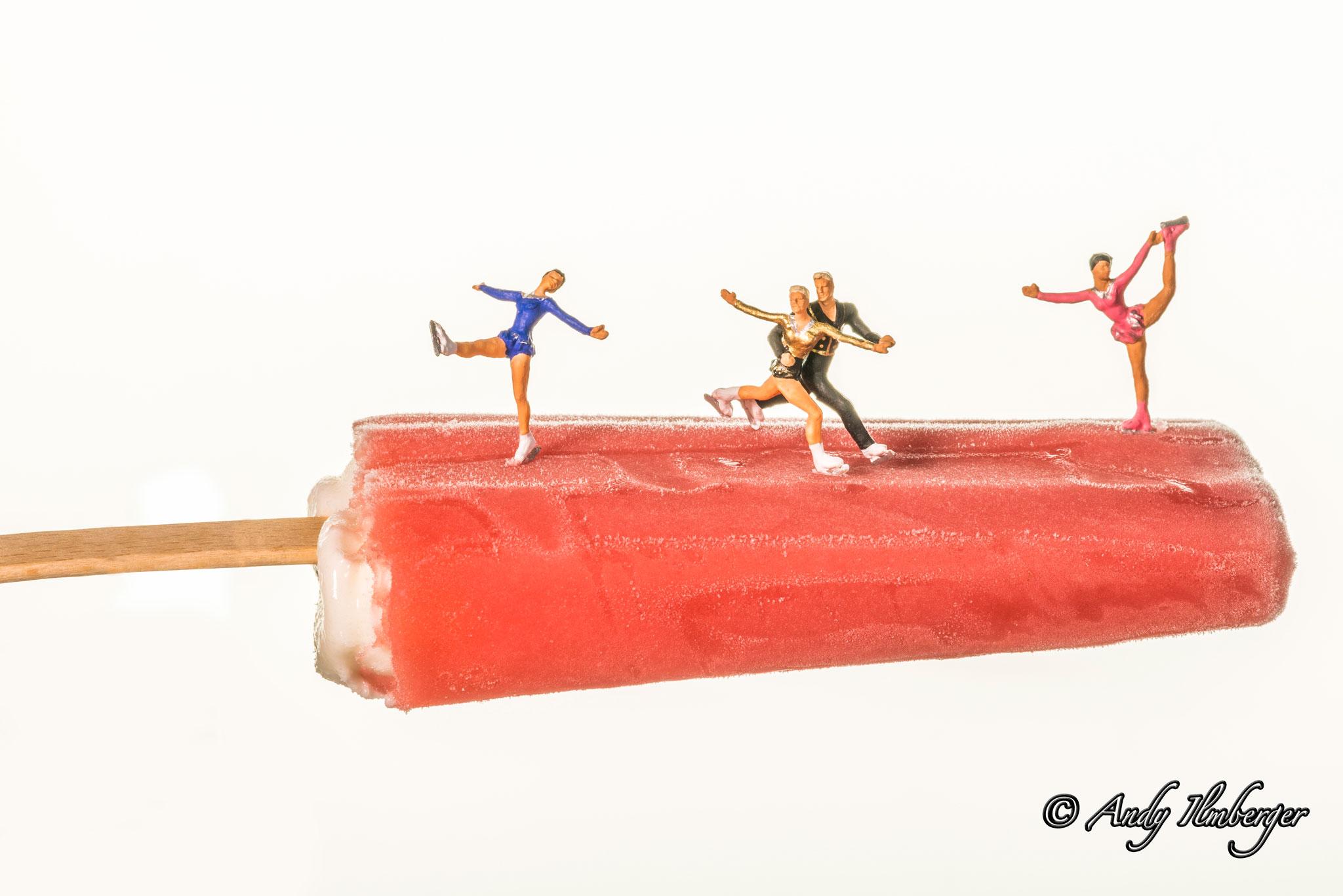 Eiskunstlauf auf Eis am Stil - H0-Figuren in Szene gesetzt von © Andy Ilmberger im Kleine-Helden.Club