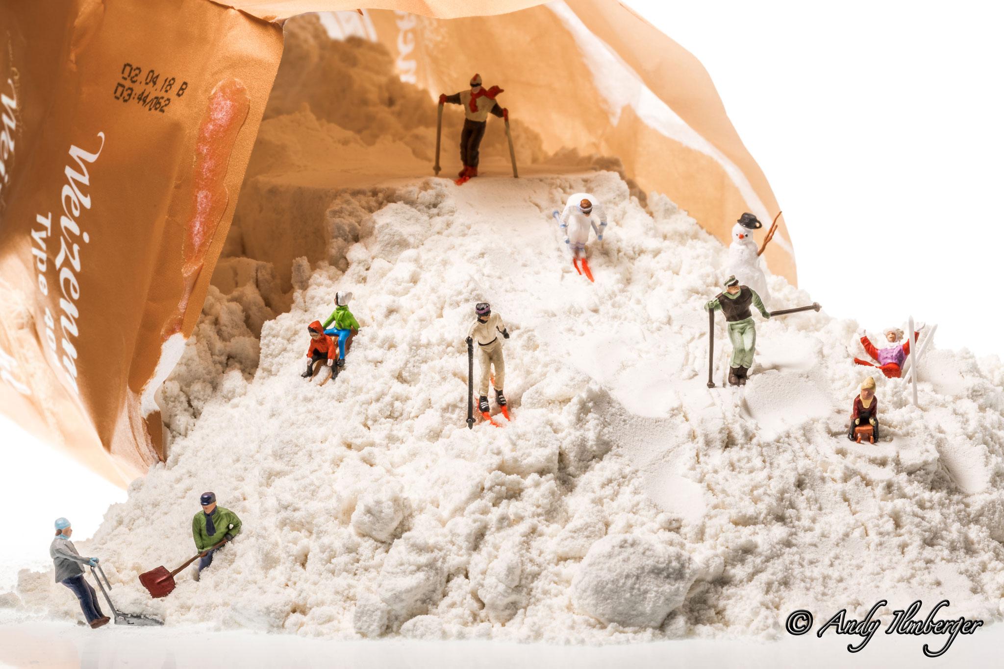 Schifoan in der Mehltüte - H0-Figuren in Szene gesetzt von © Andy Ilmberger im Kleine-Helden.Club