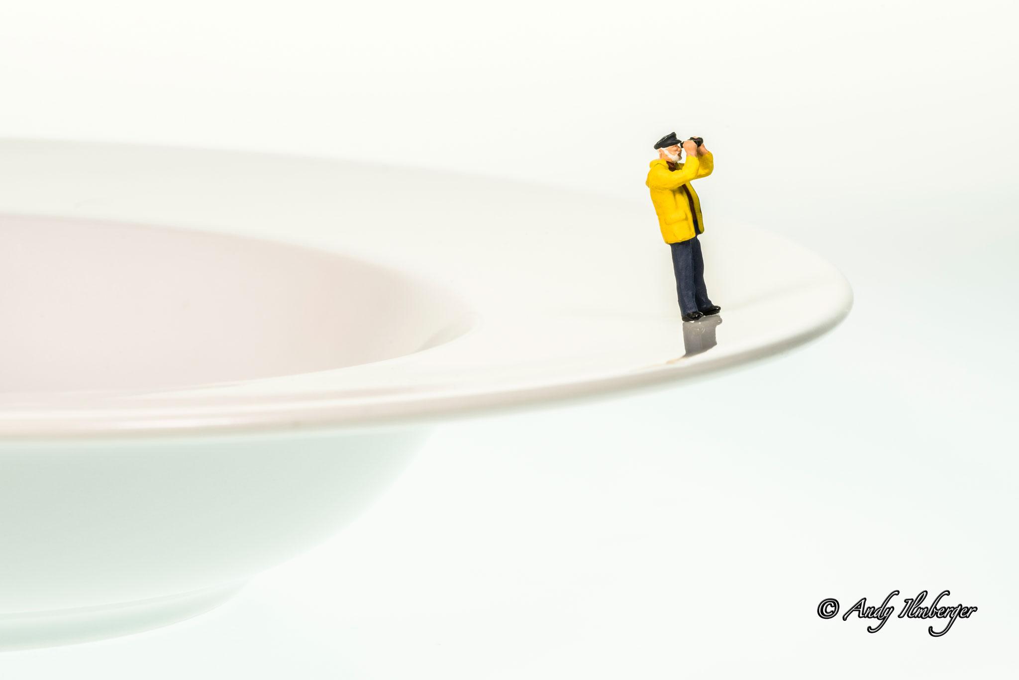 H0-Helden - Über den Tellerrand blicken - H0-Figuren in Szene gesetzt von © Andy Ilmberger im Kleine-Helden.Club