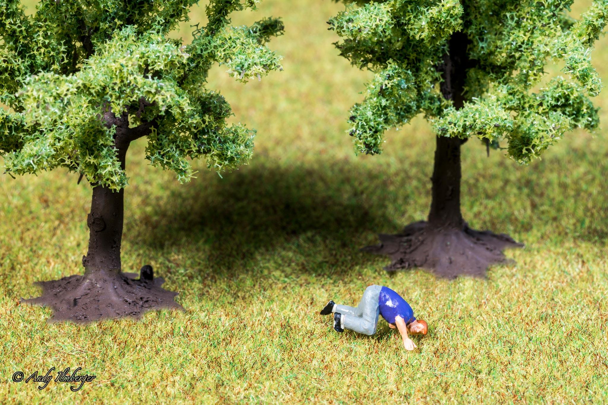 H0-Helden - Das Gras wachsen hören - H0-Figuren in Szene gesetzt von © Andy Ilmberger im Kleine-Helden.Club