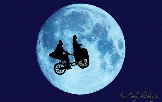 Kleiner Held hilft E.T. bei der Flucht