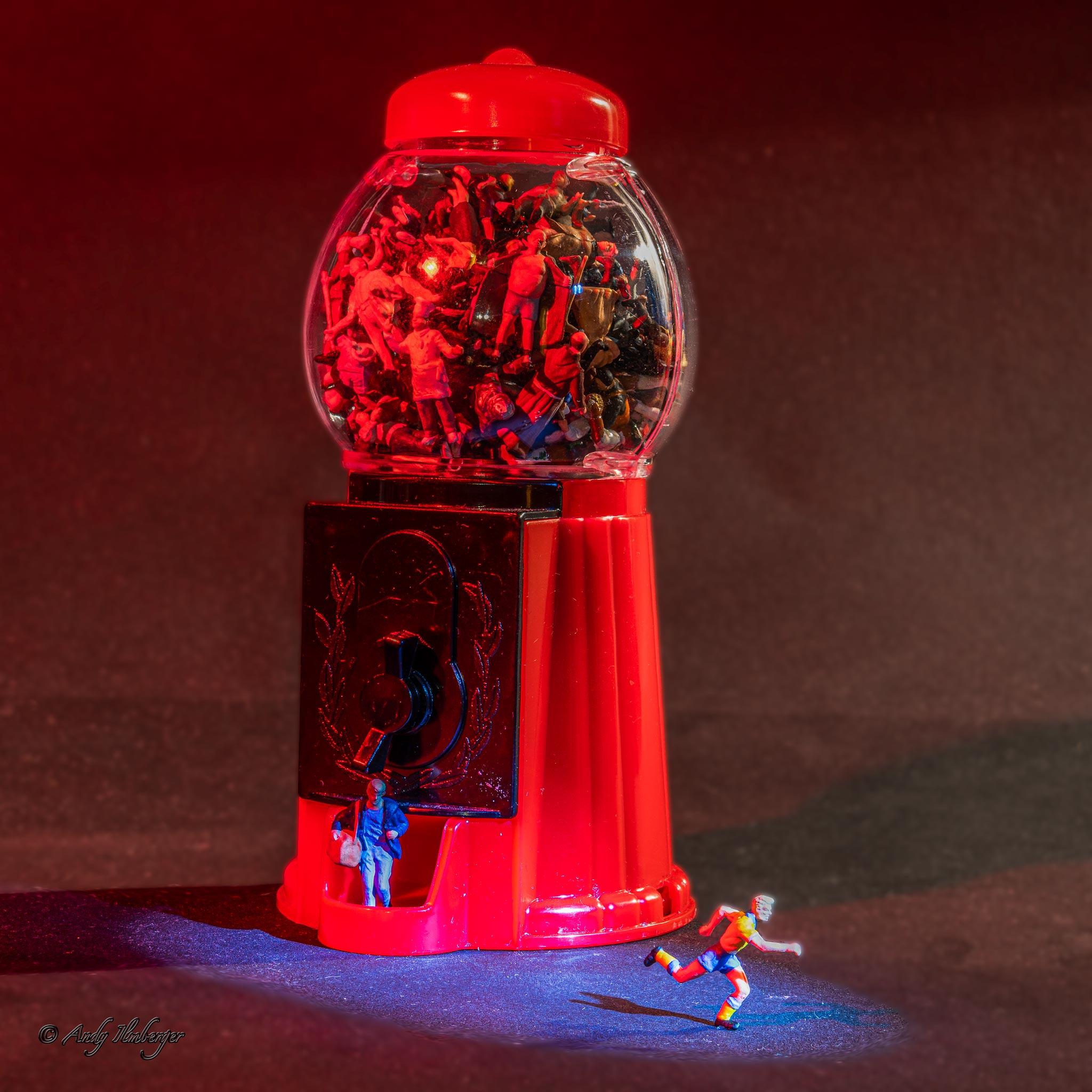 H0-Helden - Kaugummiautomat - H0-Figuren in Szene gesetzt von © Andy Ilmberger im Kleine-Helden.Club