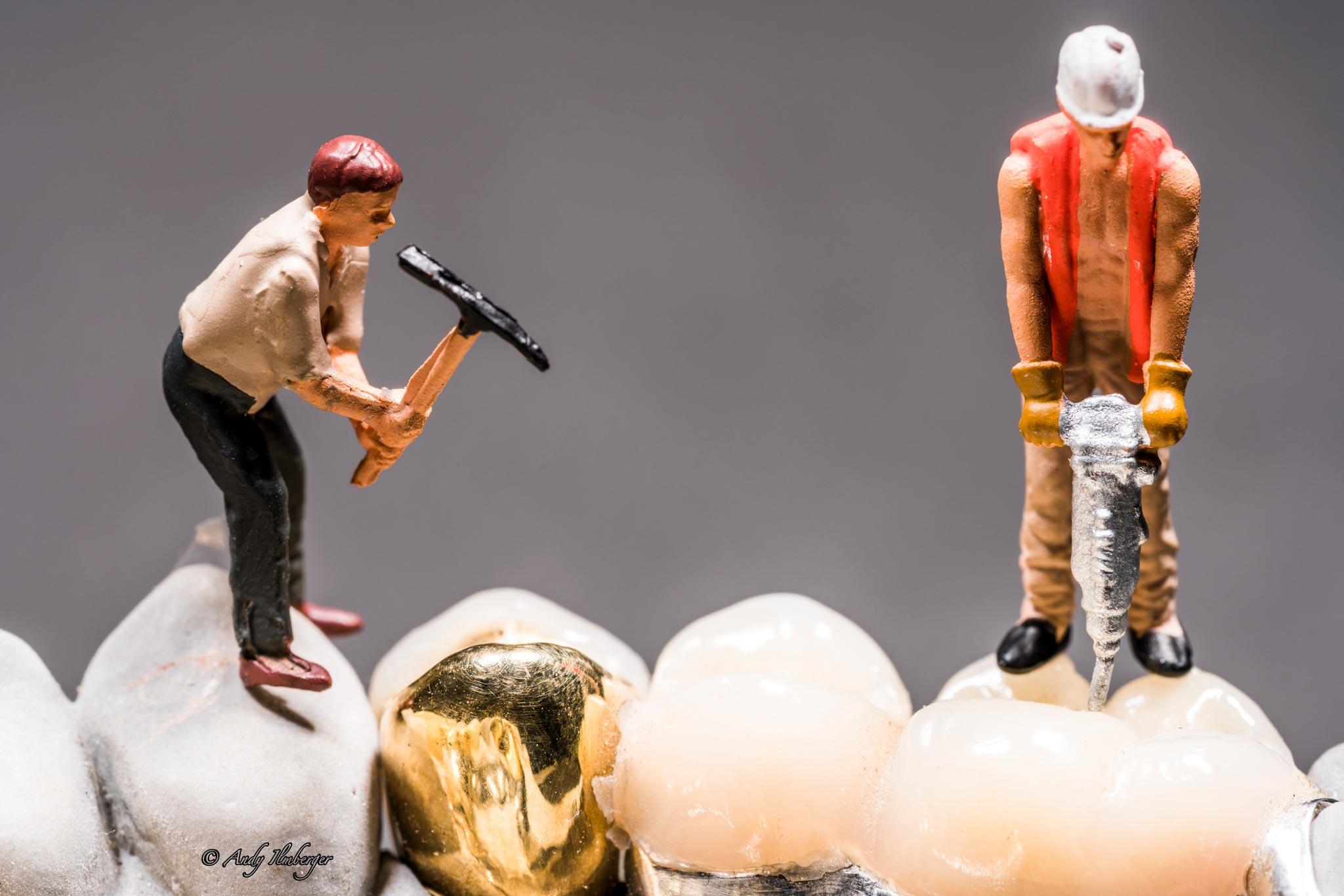 H0-Helden - Auf den Zahn fühlen - H0-Figuren in Szene gesetzt von © Andy Ilmberger im Kleine-Helden.Club
