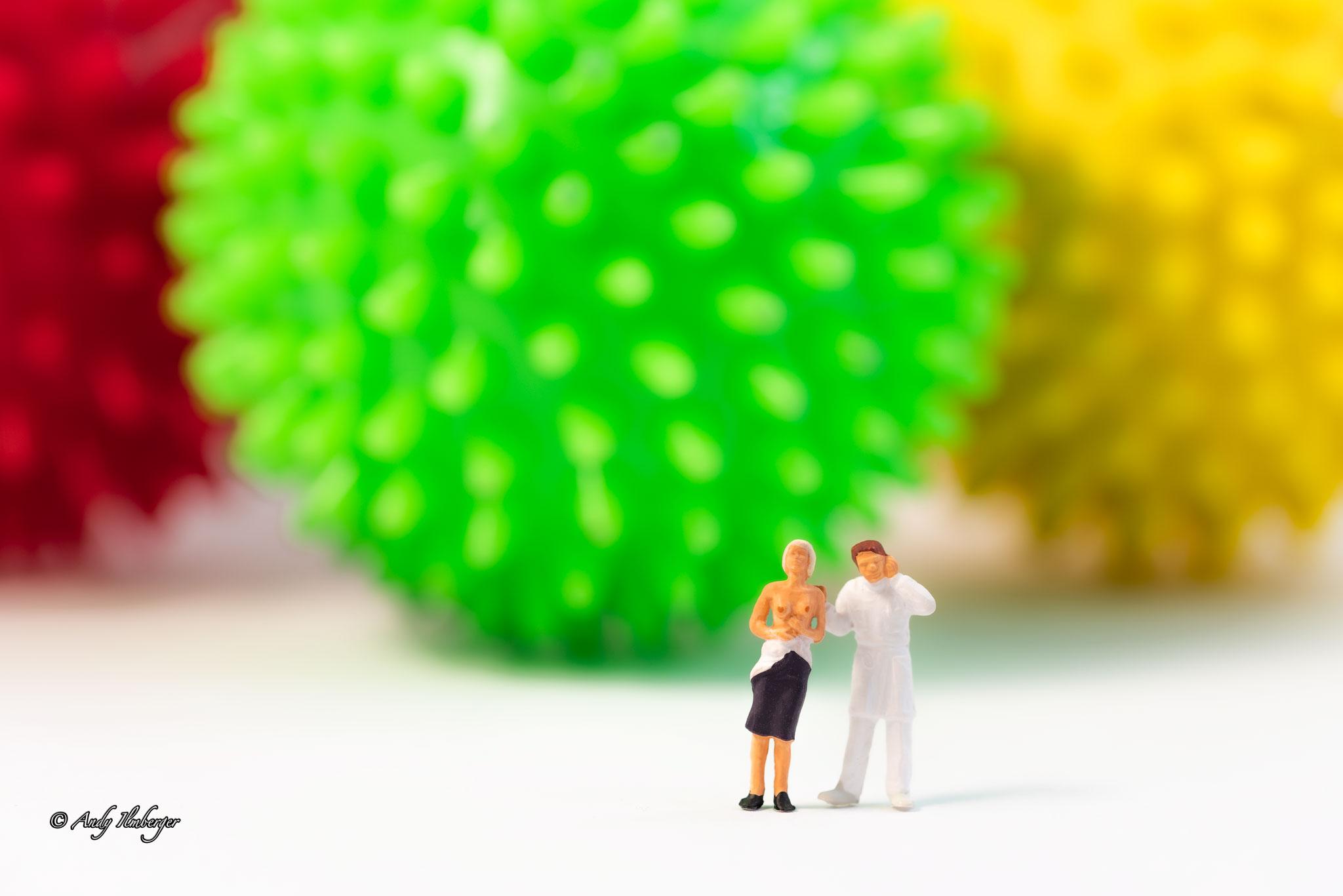 H0-Helden - Untersuchung Coronavirus - H0-Figuren in Szene gesetzt von © Andy Ilmberger im Kleine-Helden.Club