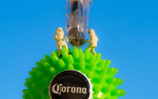Kleine Helden zaubern einen Impfstoff gegen Corona