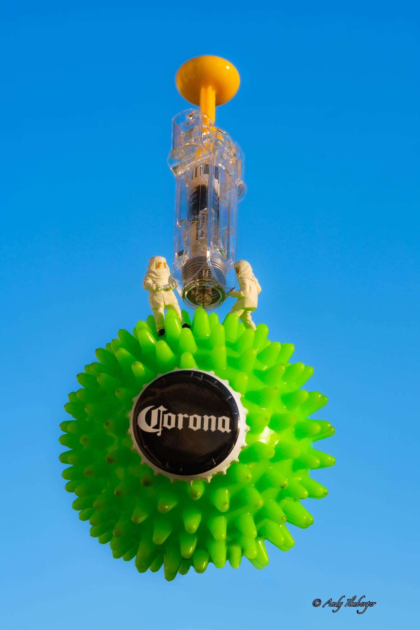 H0-Helden - Impfstoff gegen Corona - H0-Figuren in Szene gesetzt von © Andy Ilmberger im Kleine-Helden.Club